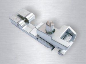 Pätka na našívanie gumy pre overlock Lada 700 D